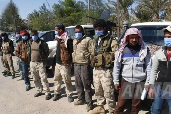 """Tại sao phiến quân đầu hàng Chính phủ Syria, tố Mỹ """"vô tình""""?"""