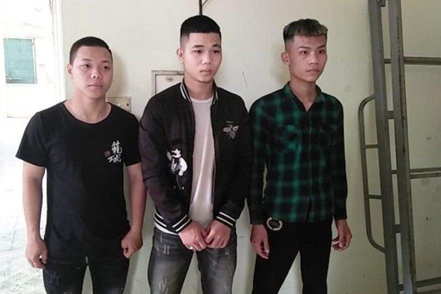 Vụ đánh người, đập phá ô tô ở Hòa Bình: Khởi tố vụ án, tạm giữ 5 đối tượng