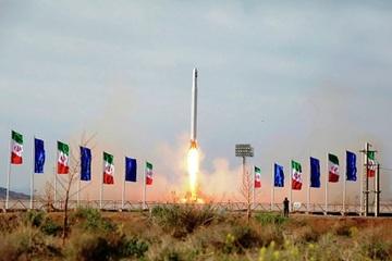 Chuyên gia bình luận gì về việc Iran phóng thành công vệ tinh quân sự đầu tiên?