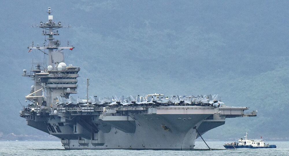 Mỹ: Covid-19 càn quét 26 tàu chiến, hơn 1.700 người chết trong 24 giờ