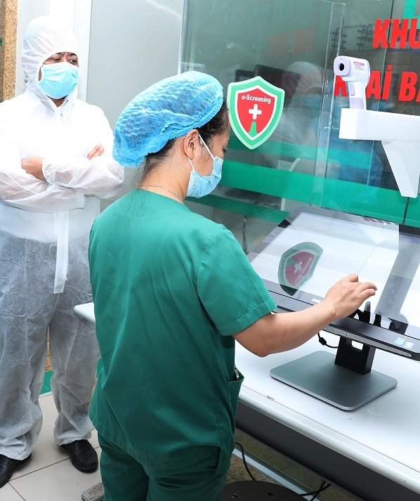"""""""Giải pháp sàng lọc không tiếp xúc"""" giúp truy tìm dấu vết người nghi nhiễm COVID-19"""