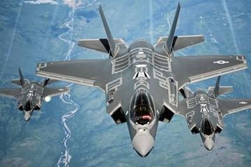 """""""Dằn mặt"""" Nga, Mỹ điều 52 tiêm kích F-35 tới Bắc Cực"""