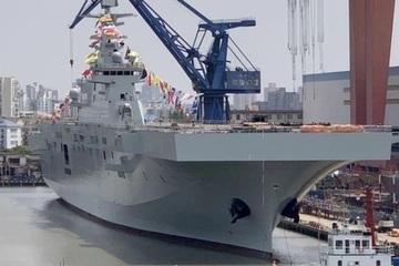 """Trung Quốc hạ thủy tàu tấn công đổ bộ Type 075 """"khủng"""" thứ hai"""