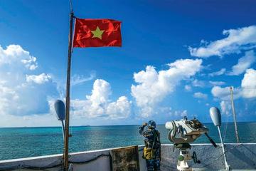 Tuyên truyền cho bà con ngư dân tại huyện đảo Bạch Long Vĩ