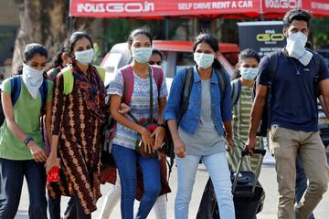 Ấn Độ cấm xuất khẩu khẩu trang và nguyên vật liệu