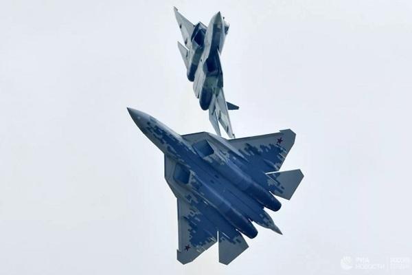 """""""Bóng ma bầu trời"""" Su-57 sẽ được trang bị động cơ điện"""