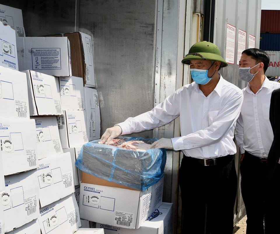 Thịt lợn nhập khẩu về Việt Nam có giá bao nhiêu?