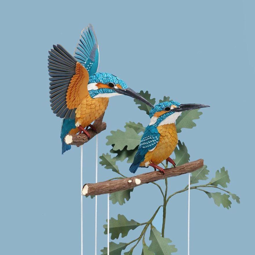Chiêm ngưỡng những con chim làm bằng giấy sống động nhìn như thật