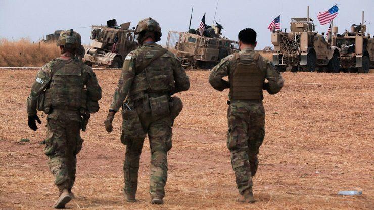 Tình hình Syria: Mỹ tăng cường lực lượng tới cứ điểm, Nga ra tay ngáng đường