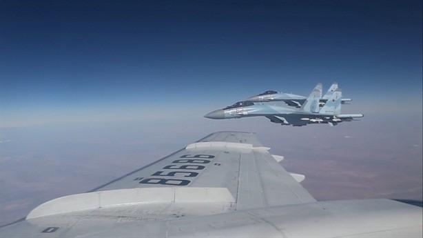 """Nga và Mỹ đang """"diễn trò"""" gì ở Syria?"""