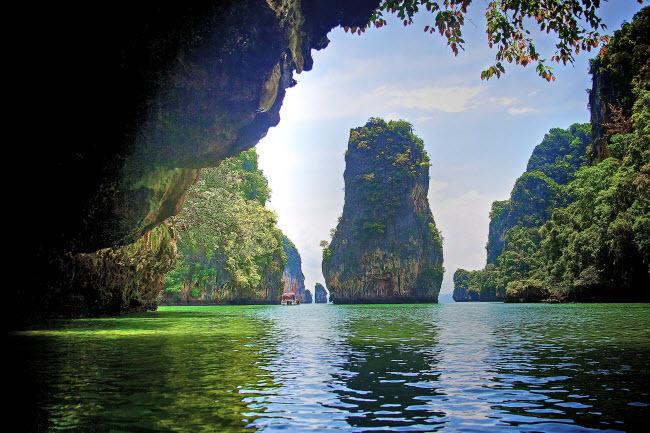 Những hang động biển kỳ vĩ nhất thế giới