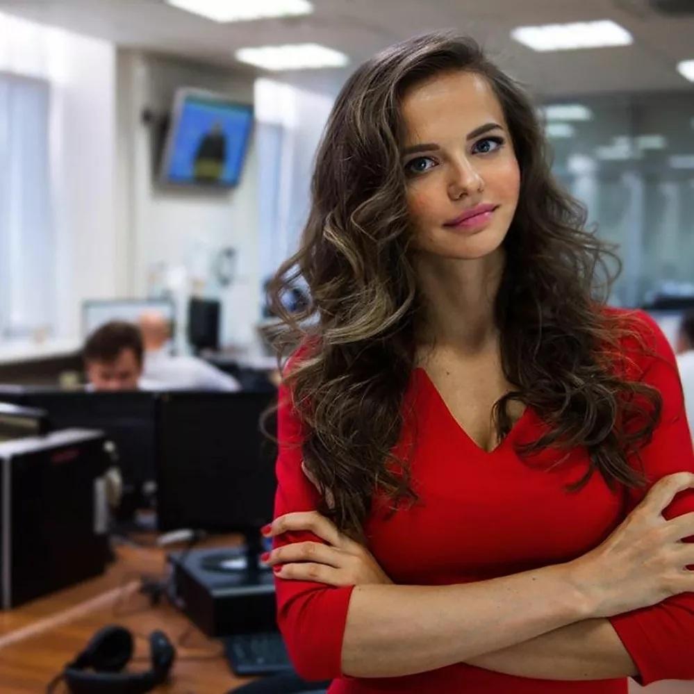 Vẻ nổi bật của các nữ phát ngôn viên xinh đẹp nhất thế giới
