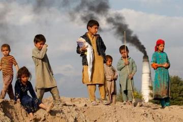 Xót xa 7,3 triệu trẻ em Afghanistan đứng trước nạn đói giữa đại dịch