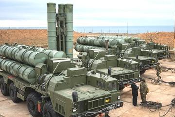 """Iraq xem tên lửa S-300 và S-400 Nga là """"phương án B"""""""