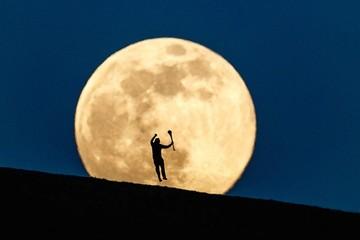 Hiện tượng siêu trăng cuối cùng năm 2020 xuất hiện tại nhiều quốc gia