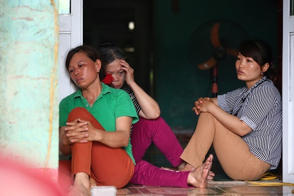 Bất ngờ chuyện người mẹ ôm 3 con tự tử ở Hòa Bình