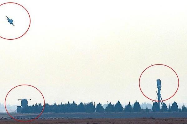 """Mỹ """"cay đắng"""" chấp nhận sự thật khi F-35 đối mặt với S-400 Nga"""