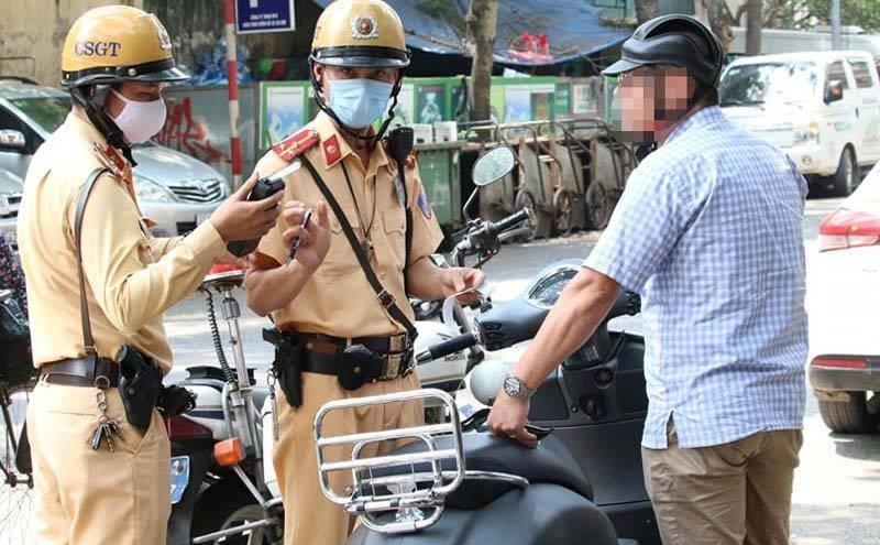"""Sau giãn cách xã hội, nhiều tài xế bị phạt vì sử dụng """"ma men"""""""