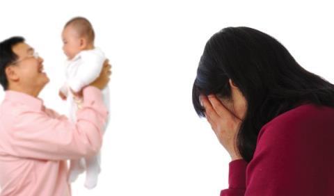 Có nên ly hôn khi chồng đưa 'tiểu tam' và con riêng về nhà?
