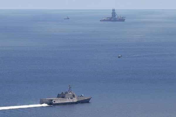 Mỹ điều thêm tàu chiến tới Biển Đông