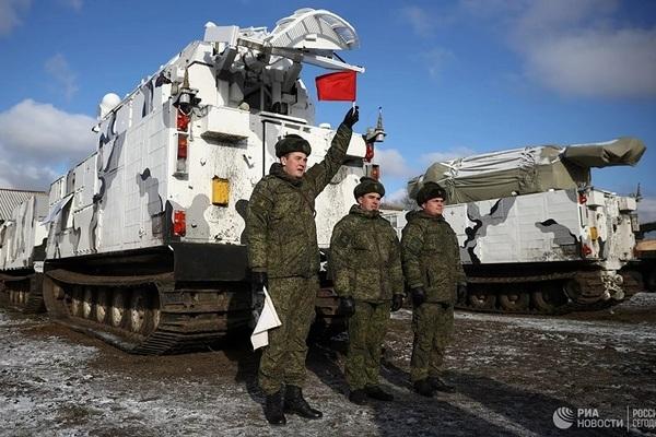 """Tại sao tàu khu trục của Hải quân NATO """"nhòm ngó ao làng"""" của Nga?"""