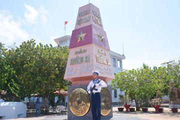 Hoà Bình ủng hộ gần 2,5 tỷ đồng cho quân, dân huyện đảo Trường Sa