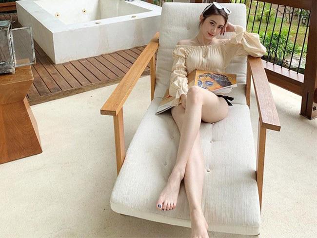Vẻ đẹp không thể rời mắt của 'đệ nhất hotgirl Lào'