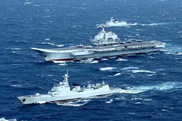 Mỹ - Trung cùng tăng cường hoạt động quân sự trên Biển Đông