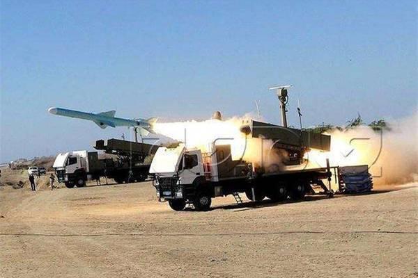 Hải quân Iran bị tên lửa 'nhái' Trung Quốc 'phản chủ'