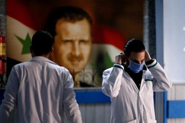 Tình hình Syria: Mỹ vẫn ngáng đường quân đội Nga, lệnh trừng phạt 'làm khó' Syria