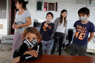 Dịch Covid-19 hoành hành, 700.000 trẻ em ở Italy 'ăn không đủ no'