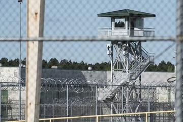 Tù nhân Mỹ dùng mọi thủ đoạn để ra khỏi tù trước thời hạn