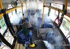 Phòng Covid-19, xe buýt Hàn Quốc vừa bật điều hòa vừa mở cửa