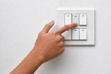 Bình Thuận khuyến cáo khách hàng tiết kiệm điện trong mùa nắng nóng