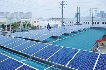 Hà Nội: Người dân lắp đặt hệ thống điện mặt trời áp mái được hỗ trợ 2 triệu đồng