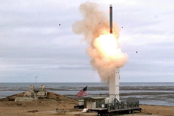 Hiệp ước Lực lượng hạt nhân tầm trung,Lầu Năm Góc,Thủy quân lục chiến,châu Á - Thái Bình Dương,tên lửa,Trung Quốc,Tomahawk,Mỹ,tàu mặt nước,Hilberry Berger,PLA,Trump,Trung tướng Smith,chuỗi đảo thứ nhất,Máy bay ném bom,B-21,B-1B,LRASM