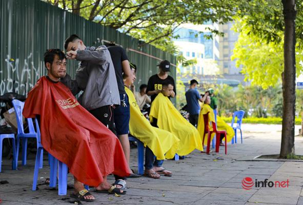 Dịch vụ cắt tóc miễn phí ở Hà Nội 'hút' khách trở lại