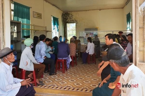 Quảng Nam: Người dân vui mừng nhận tiền hỗ trợ an sinh xã hội