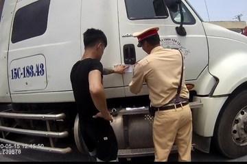 CSGT phát hiện lái xe container dương tính với ma tuý trên cao tốc
