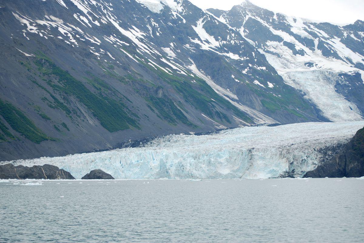 Chuyên gia cảnh báo sạt lở Alaska dễ gây sóng thần khủng khiếp