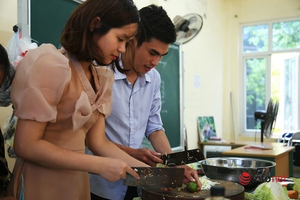 Trưởng phòng, tài xế gặp nhau ở lớp học nấu ăn sau thất nghiệp vì Covid-19