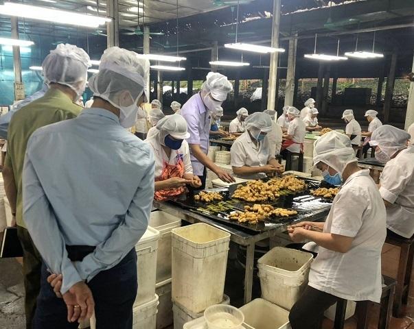 Kiểm tra công tác an toàn thực phẩm tại Hòa Bình