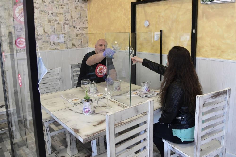 Các nhà hàng 'vượt khó' trước dịch Covid-19 như thế nào?