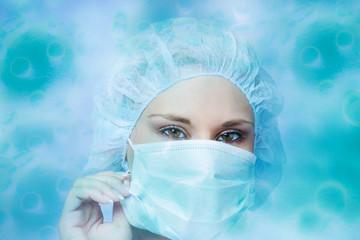 Nữ y tá Nga bỗng 'nổi như cồn' vì chỉ mặc bikini bên trong bảo hộ y tế
