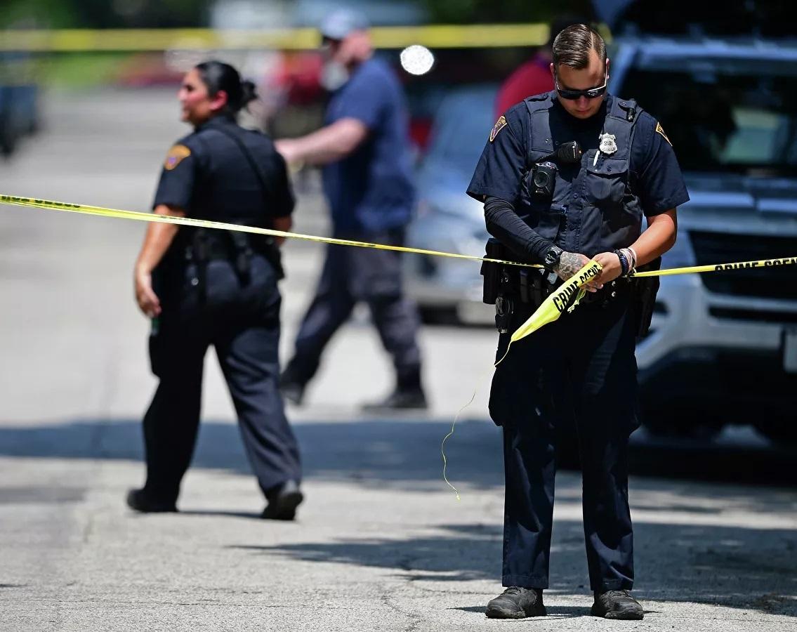 Bị nhắc nhở đeo khẩu trang, người đàn ông nổ súng bắn nhân viên phục vụ