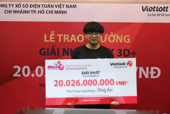 trung vietlott 20 ty dong nguoi dan ong nhan thuong khong can deo mat na - Trúng Vietlott 20 tỷ đồng, người đàn ông nhận thưởng không cần đeo mặt nạ