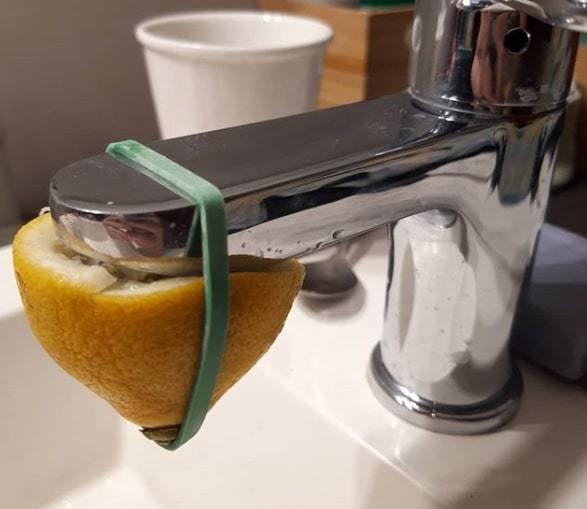 mẹo vặt gia đình tẩy rửa bằng chanh