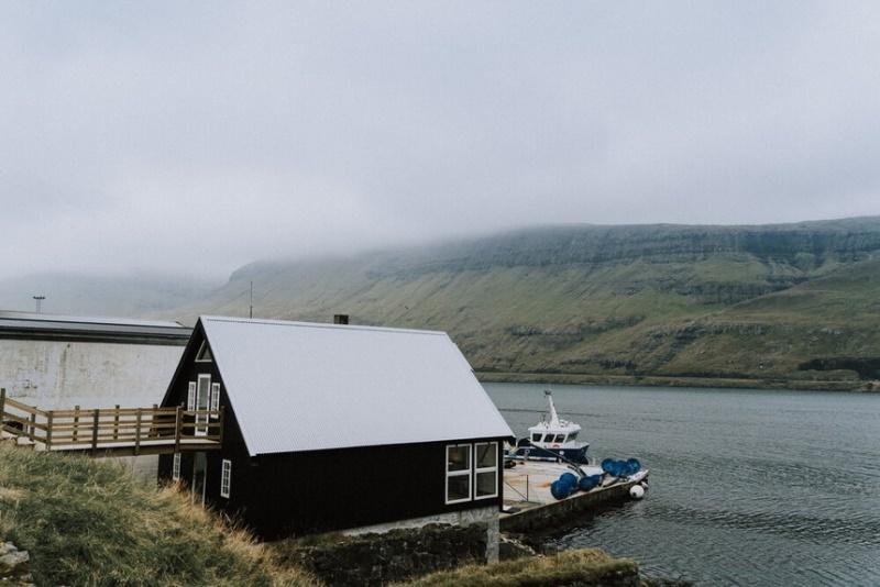 Cuộc sống giàu có ở hòn đảo quanh năm mưa bão