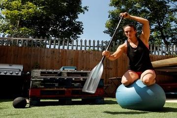 Các vận động viên trên khắp thế giới làm gì để tập luyện mùa Covid-19?