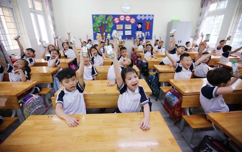 Hơn 1 triệu học sinh mầm non và tiểu học được thụ hưởng sữa học đường